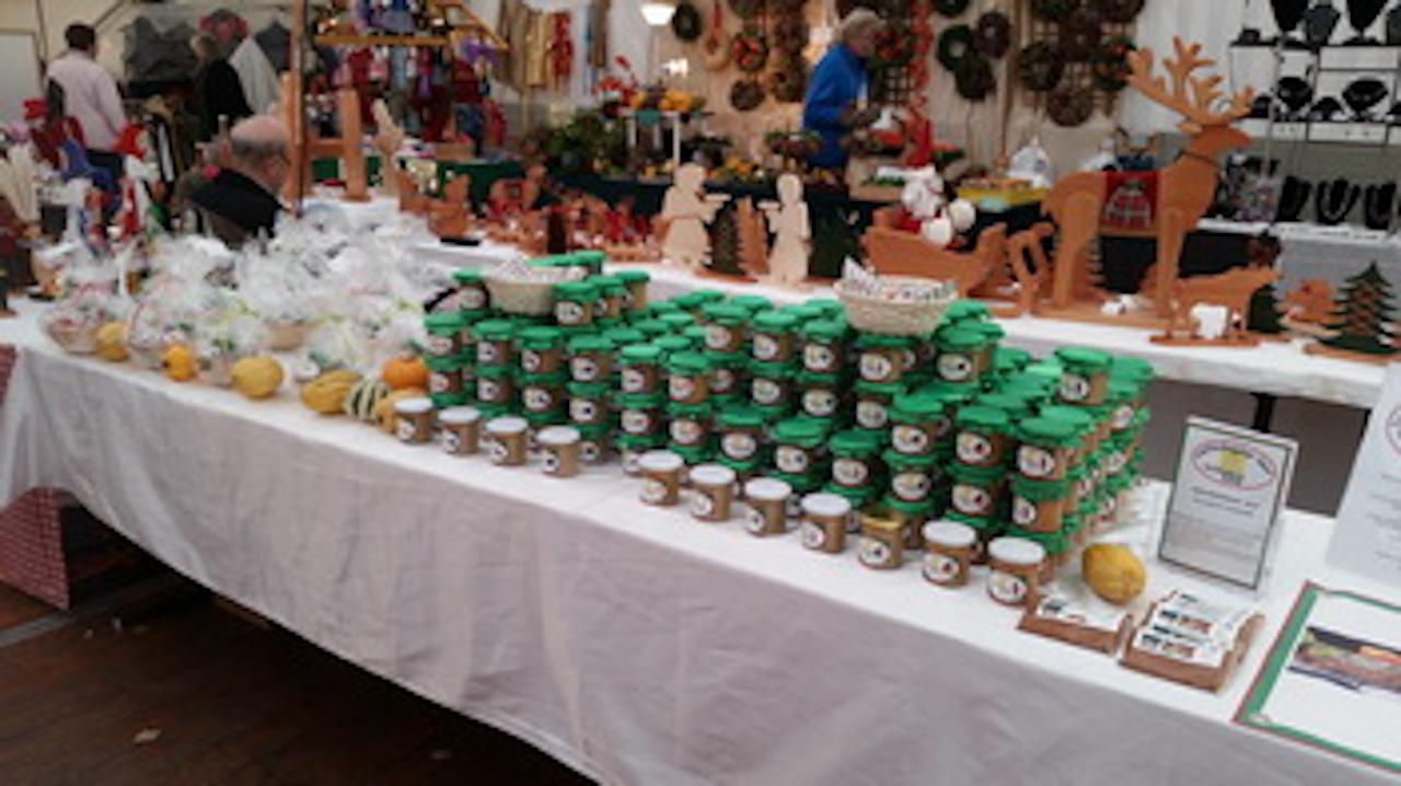 Wallenbrücker Senf Stand auf einem Weihnachtsmarkt - senf kaufen