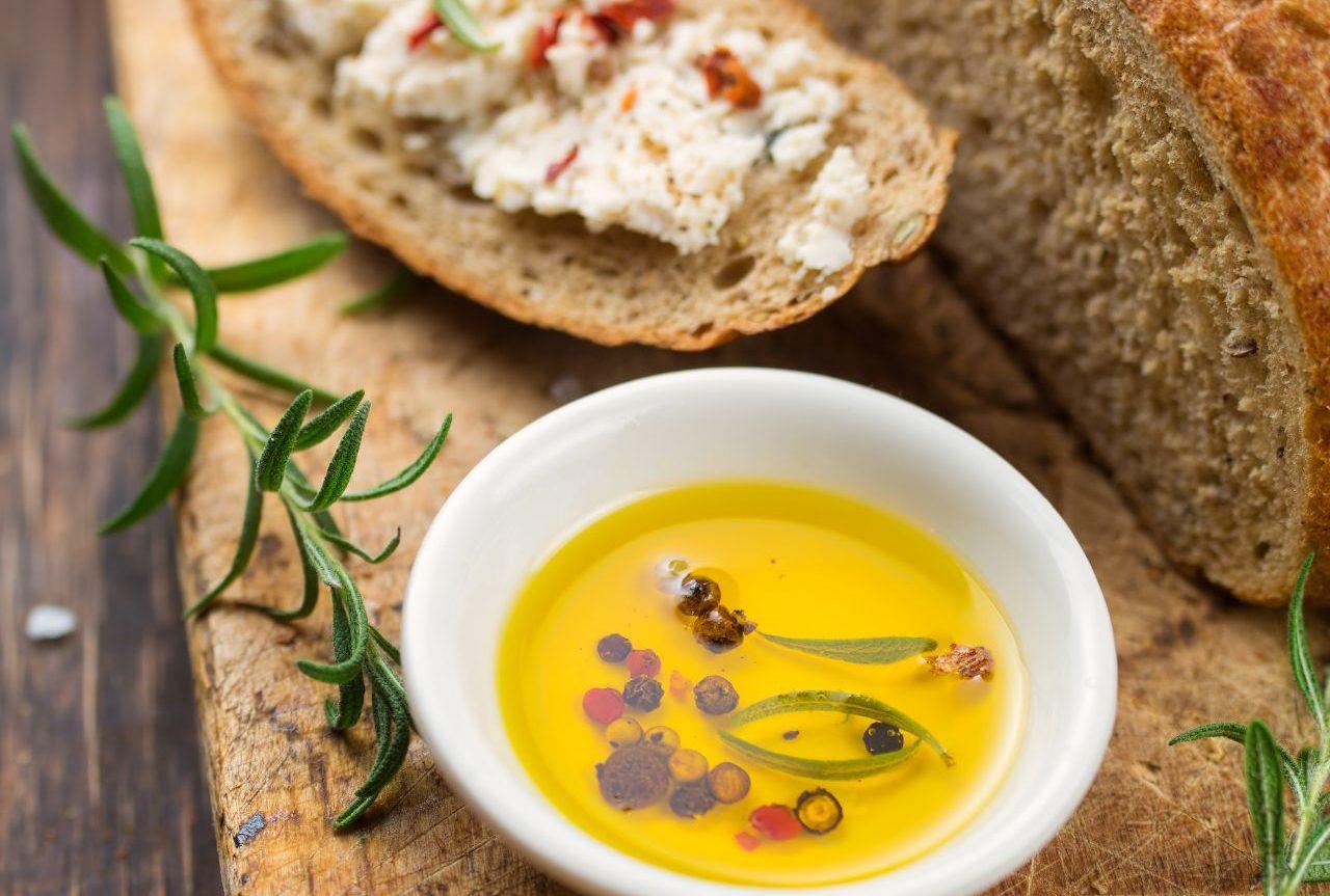 Brot mit Senfaufstrich - Senf kaufen