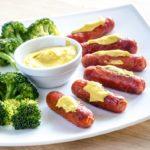 Würstchen und Brokkoli mit Senf - Senf kaufen